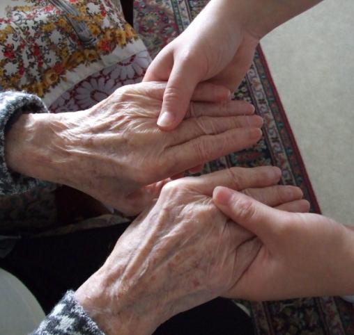 Garde-malade pour personnes âgées à domicile