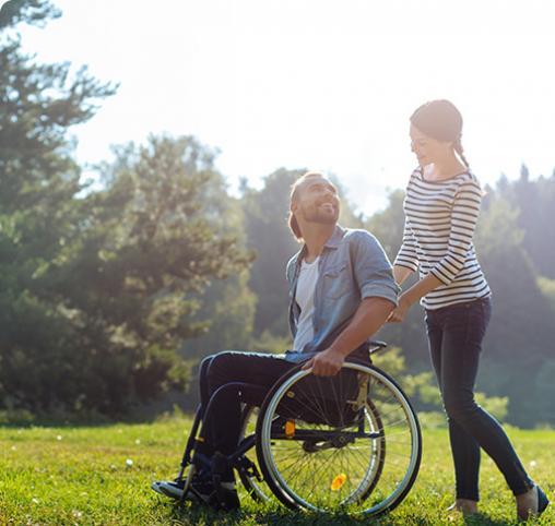Aide aux personnes handicapées à domicile